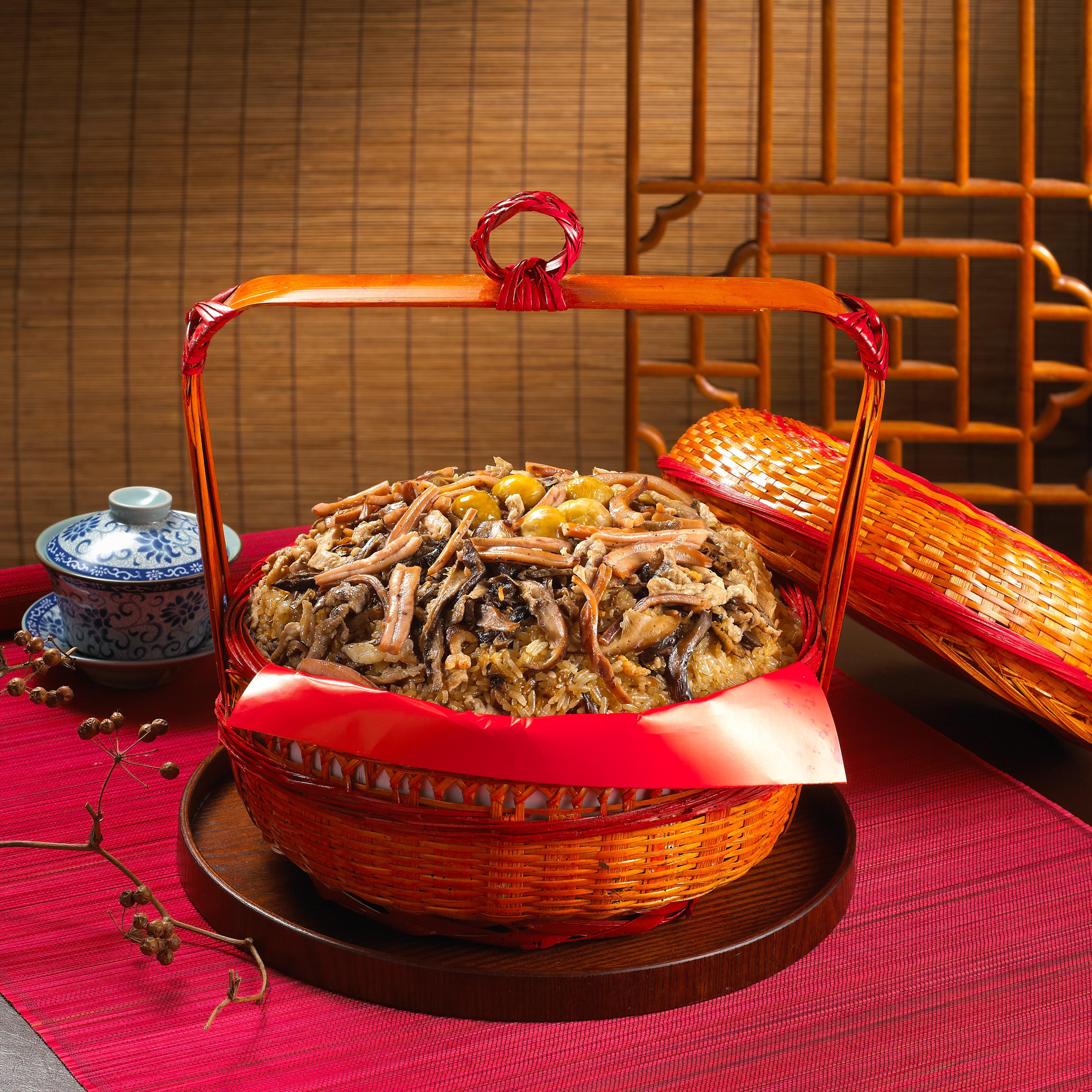 滿意謝籃-10斤(油飯10斤)$1300 建議售價:$1300元 材料:油飯10斤、栗子、香菇、 瘦肉、蝦仁